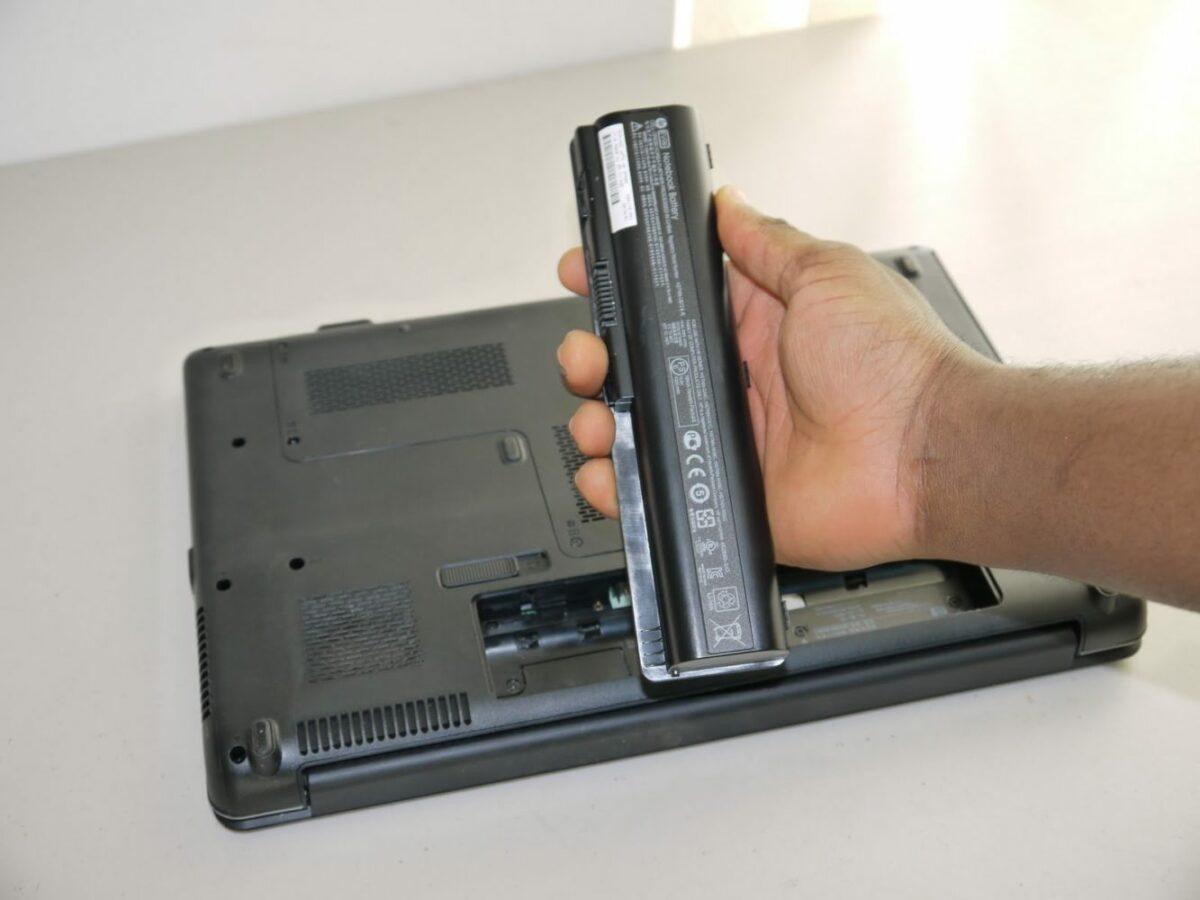 Что означает «подключено, не заряжается» для батареи ноутбуков?